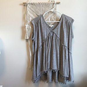 [Umgee] Gray Short Sleeve Tunic with Fringe